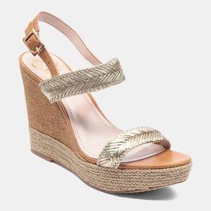 Vince Camuto Tazma Sandals. Gold. Size 11. NIB